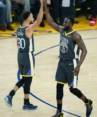 Warriors steal win in closing seconds to go up 2-0 on Blazers