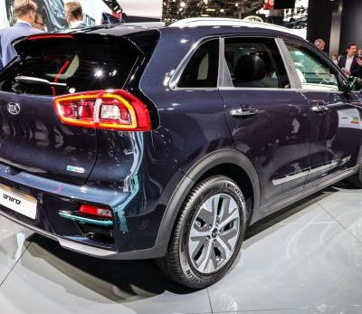 Kia's e-Niro crossover goes almost 300 miles on a charge