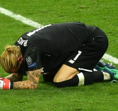 Liverpool behind Karius after Champions League horror show - Klopp