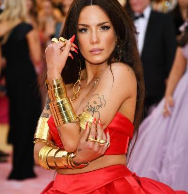 These Tweets About Halsey's Unshaved Armpits On Her 'Rolling Stone' Cover Are All Gold