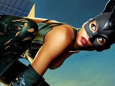 Catwoman Writer Admits It's A Bad Movie With 'Zero Relevance'