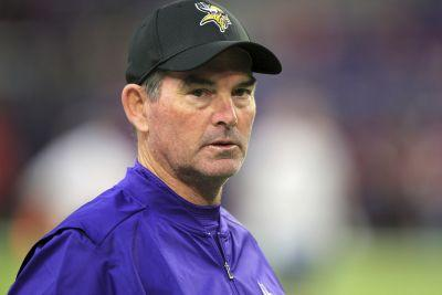 Eye surgery to keep Zimmer from coaching Vikings vs. Cowboys