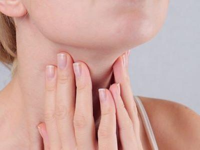 Hyperthyroidism vs. Hypothyroidism: How to Tell the Difference