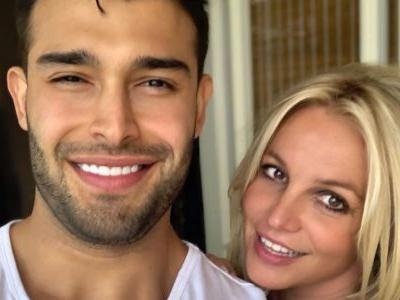 Britney Spears Gushes About Her Hot Boyfriend in Sweet Insta Post: 'I Love This Man'