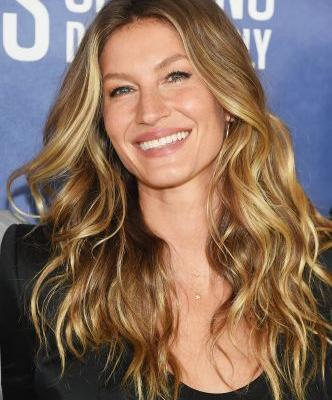 Why This Old-School Hair Color Trend Isn't Going Anywhere Fast