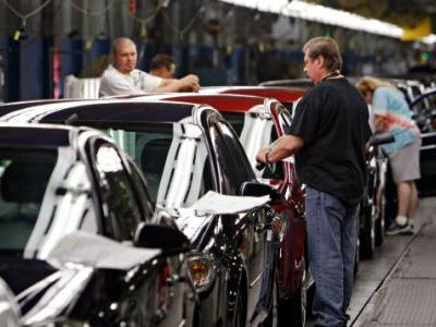 More Than 4,000 Jobs on the Chopping Block as General Motors Layoffs Begin Monday Morning
