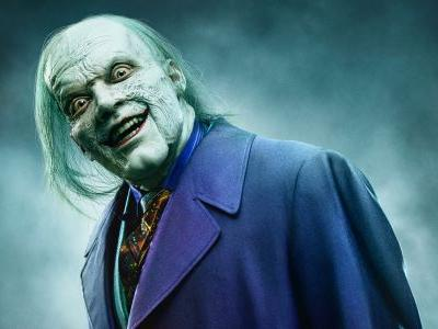 Gotham Star Reveals Creepy New Close-Up Look at The Joker