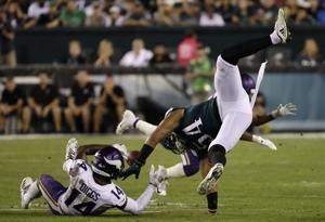 Eagles look sloppy, mediocre in 23-21 loss to Vikings
