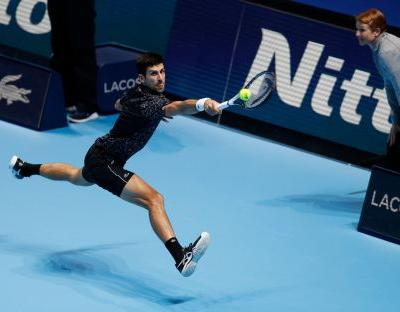Novak Djokovic closes in on semifinals at ATP Finals