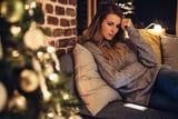 If the Holidays Make You Feel Overwhelmed , These 9 Tips Will Help