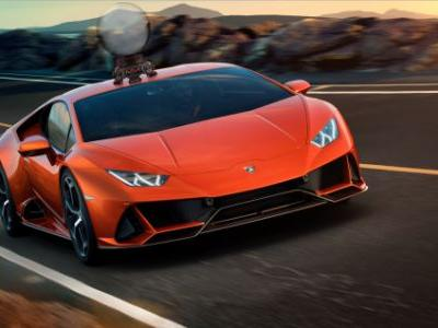 The New Lamborghini Huracán EVO Has More Power and a Scary Smart AI