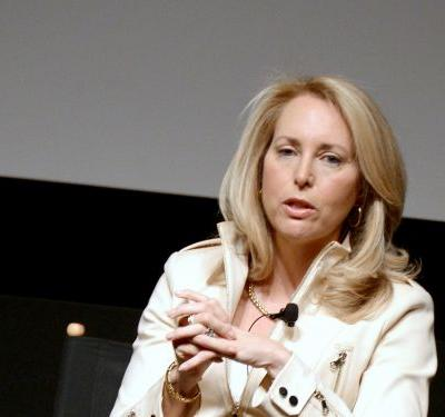 Former CIA officer Valerie Plame Wilson offers epic apology after tweeting anti-Semitic story: 'One should not tweet while moving'