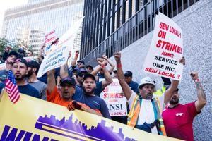 High-rise window washers go on strike for higher pay, better insurance: 'You put your life on the ropes every day'