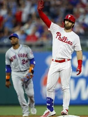 Phillies snap 7-game losing skid with 13-7 win over Mets