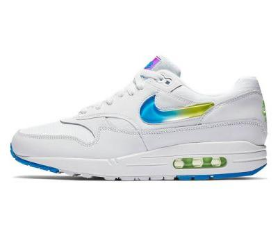 Nike Air Max 1 SE Is a Sure Standout With Colorful Gradient Swoosh