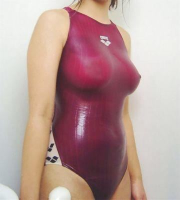 Wetswimsuitsextoy:She now wanna white swimwear to show