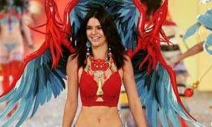 Kendall Jenner dazzles on the Victoria's Secret runway in Paris