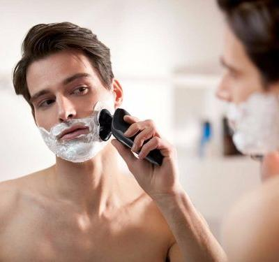 You'd have to try really hard to get a bad shave out of this upscale Philips Norelco electric shaver - which is currently on sale for $60 off