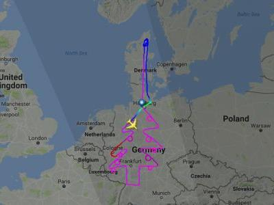 Airbus spent 5 hours drawing an outline of a Christmas tree across Europe using an A380