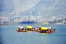 Kashmir Tourism workers protest demanding release of pending wages