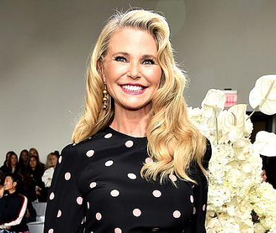 Christie Brinkley Stuns in Makeup-Free Selfie