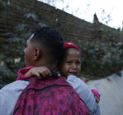 Record number of migrant families arrested in December while crossing U.S. border
