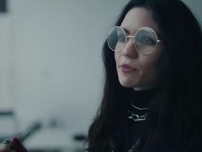 """Grimes Stars In Apple Commercial Featuring Her New Song """"That's What The Drugs Are For"""""""