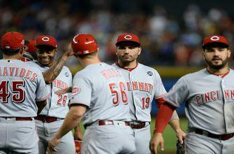 Votto, VanMeter go deep, Reds beat sinking Diamondbacks 4-3