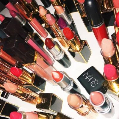 FYI: Makeup Artists Say These 9 Beauty Products Aren't Worth the Splurge