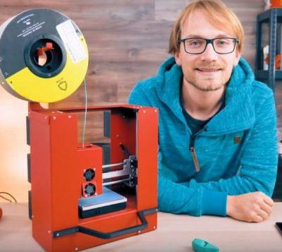 Battery 3D printer power by Raspberry Pi prints for up to 6hrs