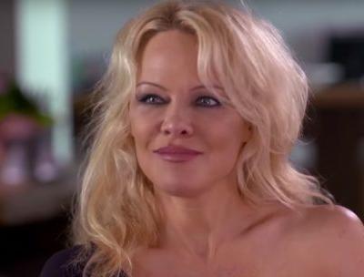 Pamela Anderson Rips Aussie PM For 'Smutty' Comments In Response to Julian Assange Protection Plea