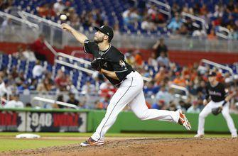 Nationals acquire righty reliever Barraclough from Marlins