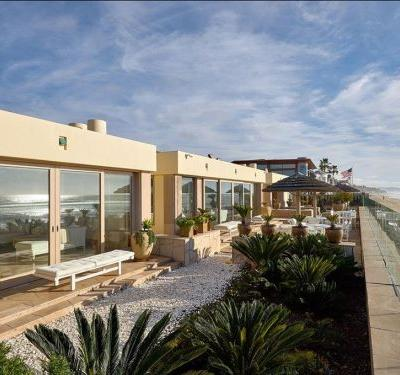 Bill and Melinda Gates bought a $43 million beach house in California last year- see inside
