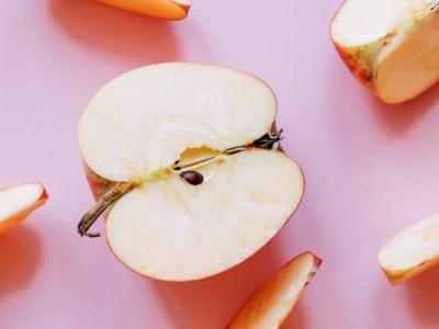 Did You Know You Can Easily Make Your Own Apple Cider Vinegar? Here's How