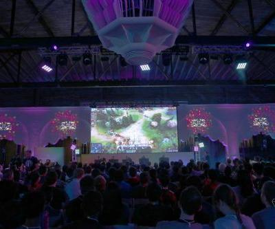 OpenAI's Dota 2 AI steamrolls world champion e-sports team with back-to-back victories