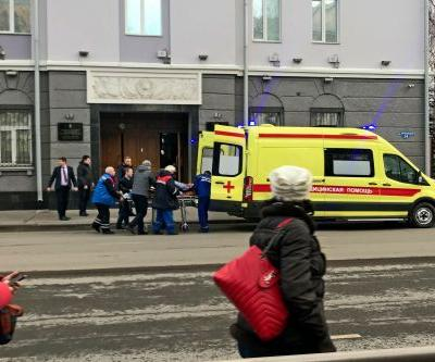 Bomb injures 3 Russian security officers, attacker dead