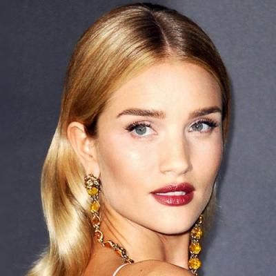 Stop Everything: Rosie HW's Colorist Just Told Us Her 6 Best Blonde Hair Tips