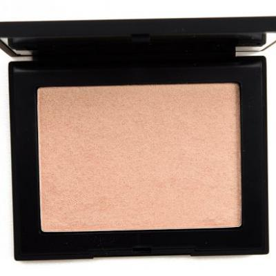 NARS Fort de France Highlighting Powder Review, Photos, Swatches