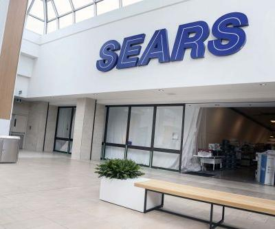 Bankruptcy judge gives Sears another chance, saving 45,000 jobs