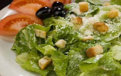 Recalled salads might contain romaine lettuce tainted with E. coli O157:H7