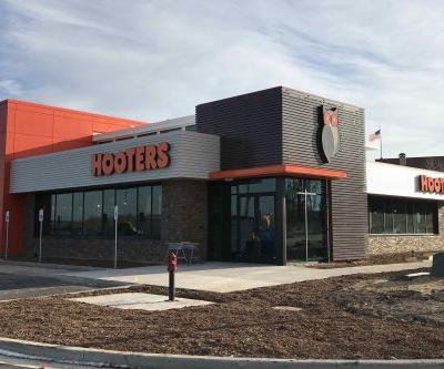 Hooters Unveils New Location in Portage, Indiana