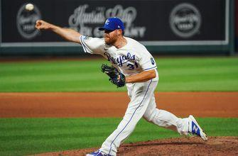 Rangers signs RHP Ian Kennedy to Minor League contract with Spring Training invite