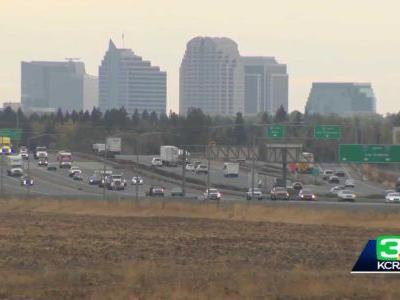 Traveling during Thanksgiving? What you need to know about California's travel advisory