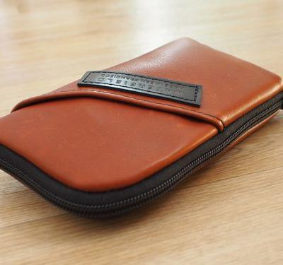 Review: WaterField Designs' Time Travel Apple Watch Case Organizes Your Apple Watch Accessories