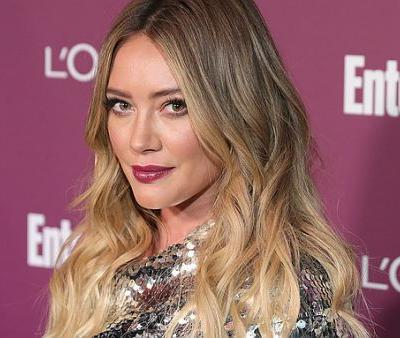 Hillary Duff Uses This Concealer to Cover Dark Circles Without Any Creasing