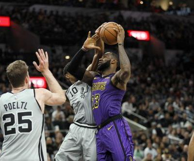 Lakers' Luke Walton: 'We gave in a little bit' during collapse vs. Spurs