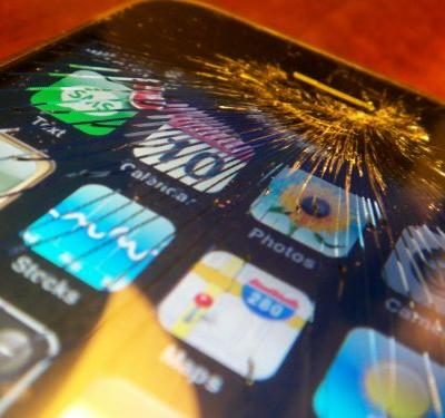 Congress is investigating Apple's control of the market for iPhone repairs