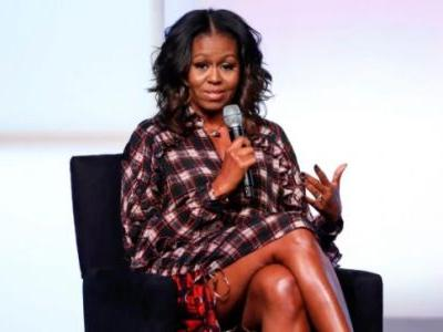 Michelle Obama works out in all-black gym attire. Viral pic breaks the Internet