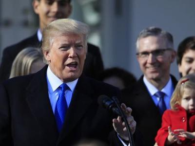 Trump to deny funds to clinics that discuss abortion