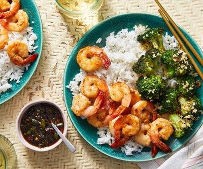 When To Order Blue Apron x Chrissy Teigen To Cook Like A Pro This Summer